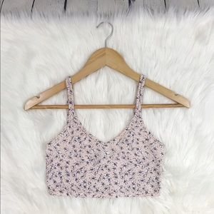 UO \\ floral crop tank top